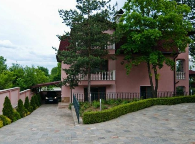 Luxury 3-storey House in Sofia