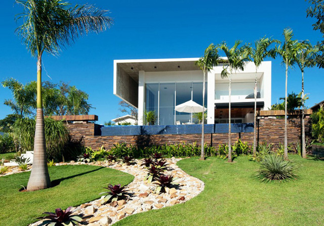Stylish and luxury house in Brazil