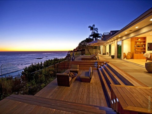 Luxury villa in Malibu
