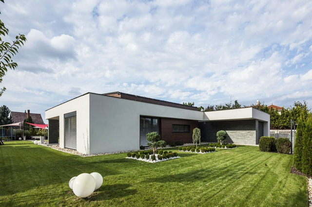 T-shape luxury house in Hungary