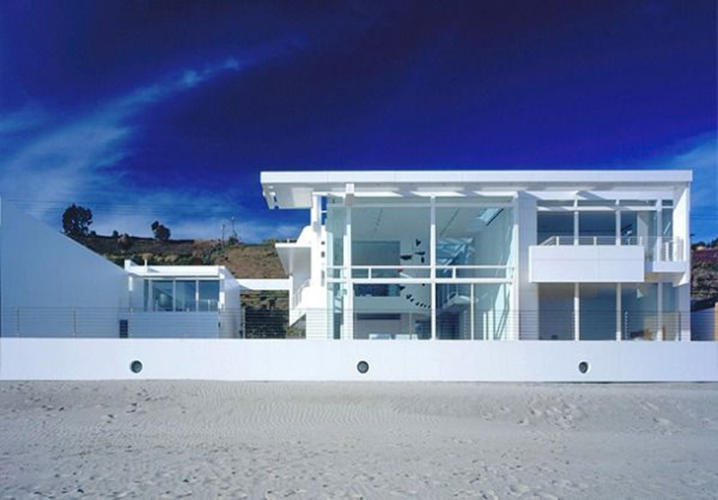 White Beach Residence in California