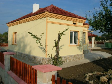 Small Villa in Primorsko
