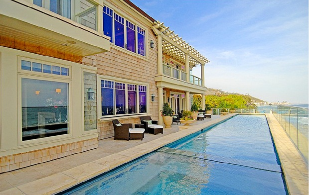 Luxury seaview villa in Malibu